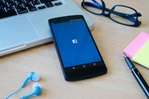 קניית שיתופים בפייסבוק